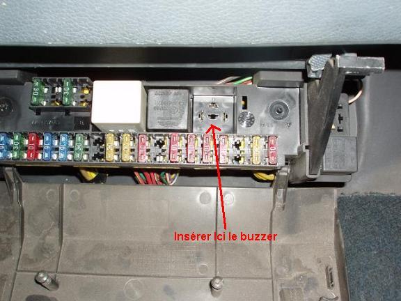 1 x ajout buzzer oubli d 39 extinction des feux tuto. Black Bedroom Furniture Sets. Home Design Ideas